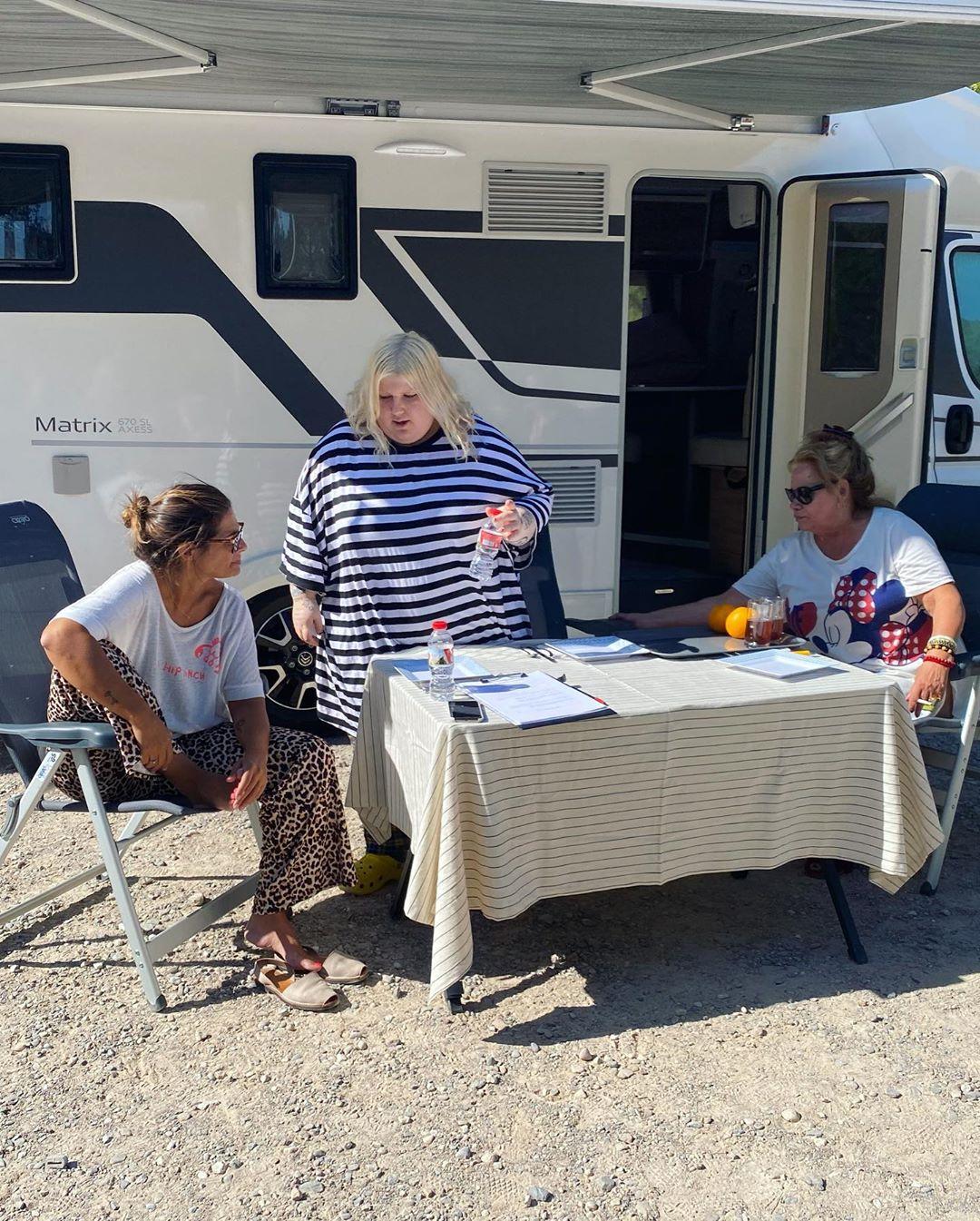 Cómo disfrutar de un viaje en caravana por España con Nuria Roca, Esty Quesada y Carmina Barrios